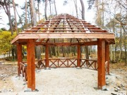Arbor with metal sheet