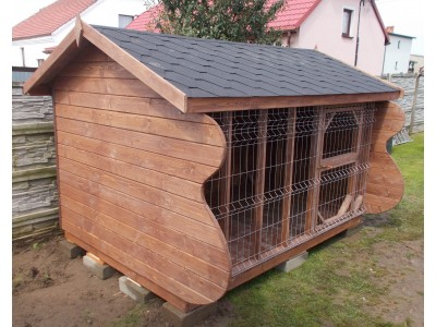 Dog pound with gable roof